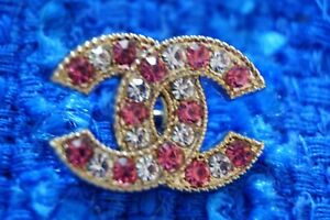 STAMPED-VINTAGE-CHANEL-BUTTON-1-pieces-emblem-pink