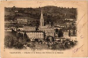CPA-Valfleury-Eglise-et-la-Maison-des-Pretres-de-la-Maison-664200