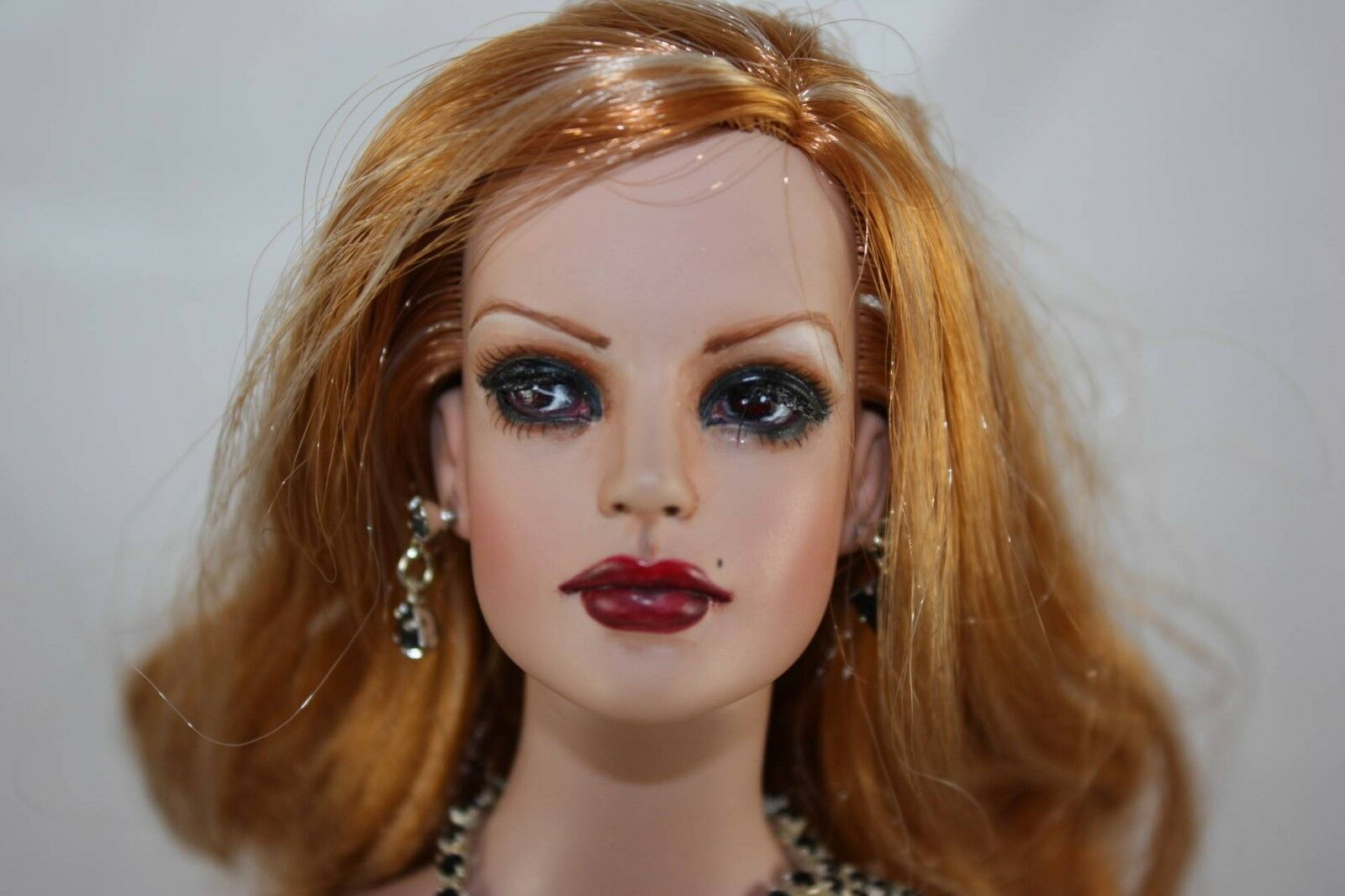 Tonner OOAK SYDNEY REPAINT  VALENZIA  by JENNY SUTHERLAND of JACS W RE-ROOTS