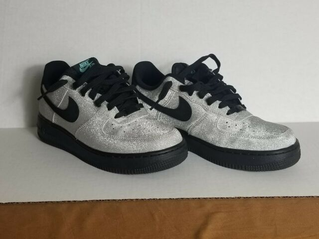 fe78af93fd04 NIKE AIR FORCE 1 LOW SPARKLY SILVER LV8 DIAMOND QUEST 718152-005 SHOES size  6.5