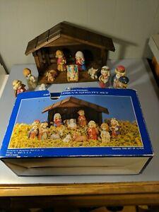 Vtg-12-PC-Childrens-Nativity-Set-fine-grain-porcelain-bisque-figures-wood-Creche