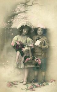 TINTED-RPPC-SWEET-VICTORIAN-CHILDREN-w-HATS-FLOWERS-ANTIQUE-REAL-PHOTO-POSTCARD