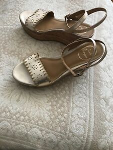 a5c0e241103 Jack Rogers Womens Lennon Leather   Cork Wedge Platform Sandals Gold ...