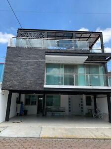 Espectacular casa en Renta en Zavaleta con camino real a Cholula Puebla en Arcos del Sur