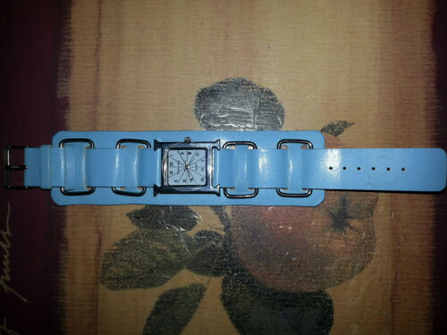213f7efb4d0a 7 of 8 Watches 5 All Quartz .1 Softech