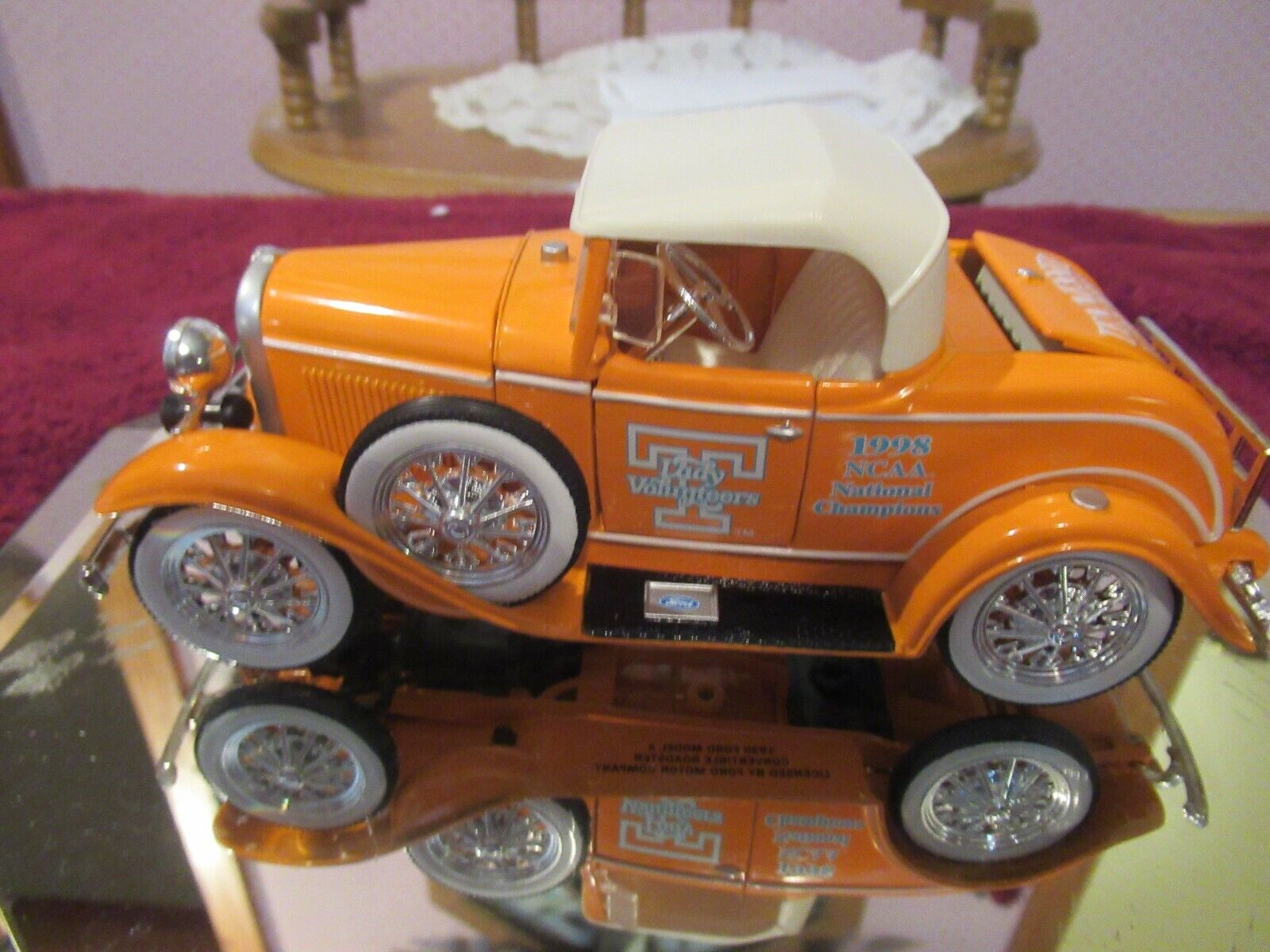 VINTAGE Die Cast 1 24 1930 Ford Roadster 1998 Tenn Lady Vol's National Champ