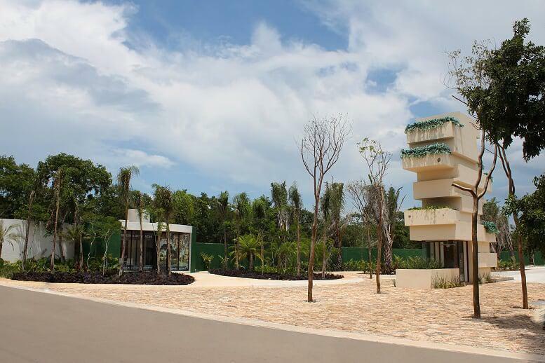 Lotes de terreno en venta en Merida, urbanizados y con casa Club