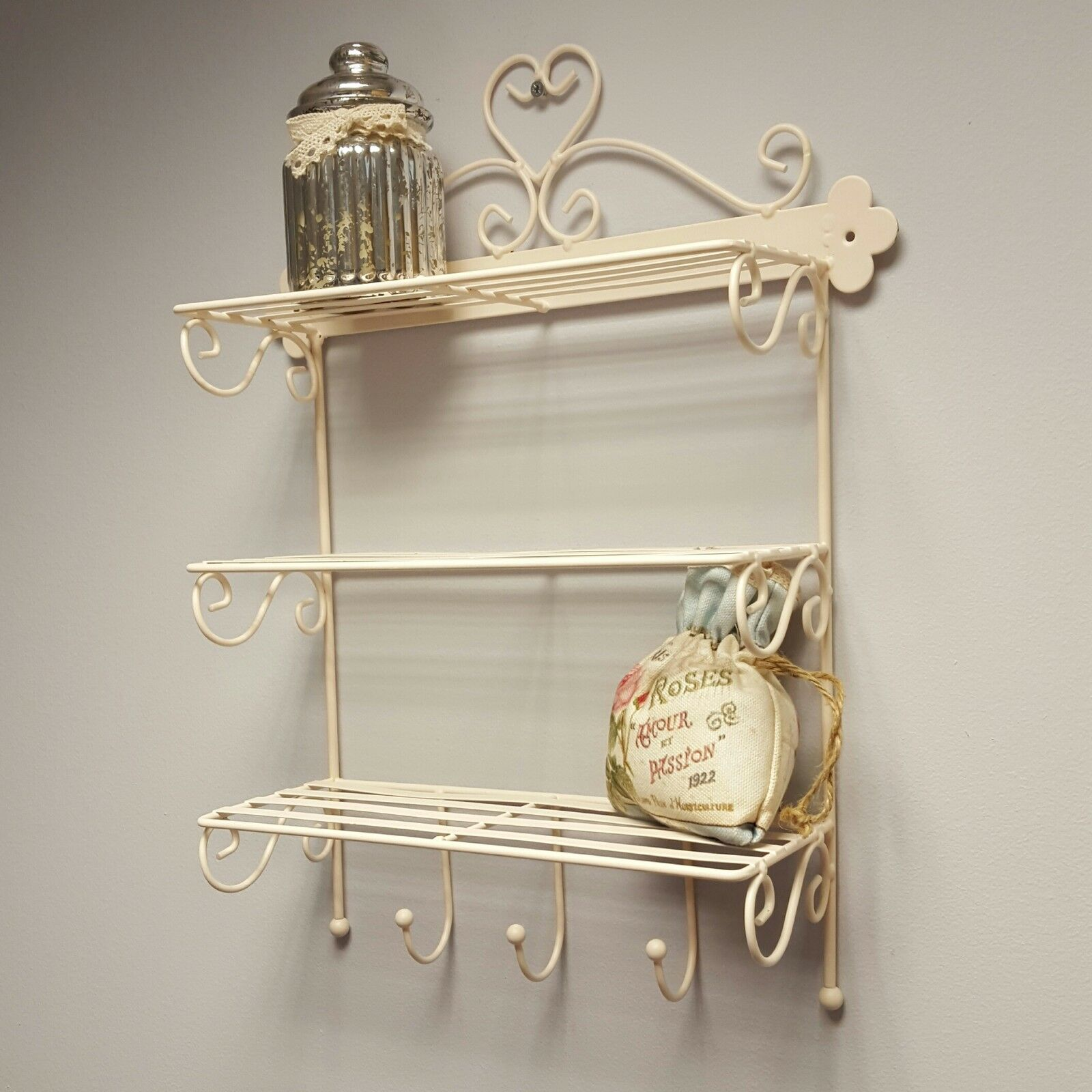 Shabby Chic Kitchen Shelves: Shabby Chic Bathroom Shelves With Simple Inspiration In