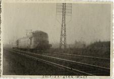 PHOTO ANCIENNE - VINTAGE SNAPSHOT - TRAIN SNCF RIOM 1947