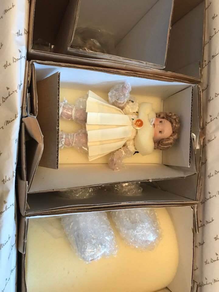 Nuevo En Caja Danbury Mint Shirley Temple dos de un tipo Muñeca De Porcelana