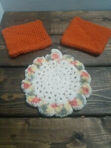 Vintage-Hand-crocheted-Pot-Holders-Hot-Pads-3pc-Set-Rust-amp-Cream-Multi-EUC