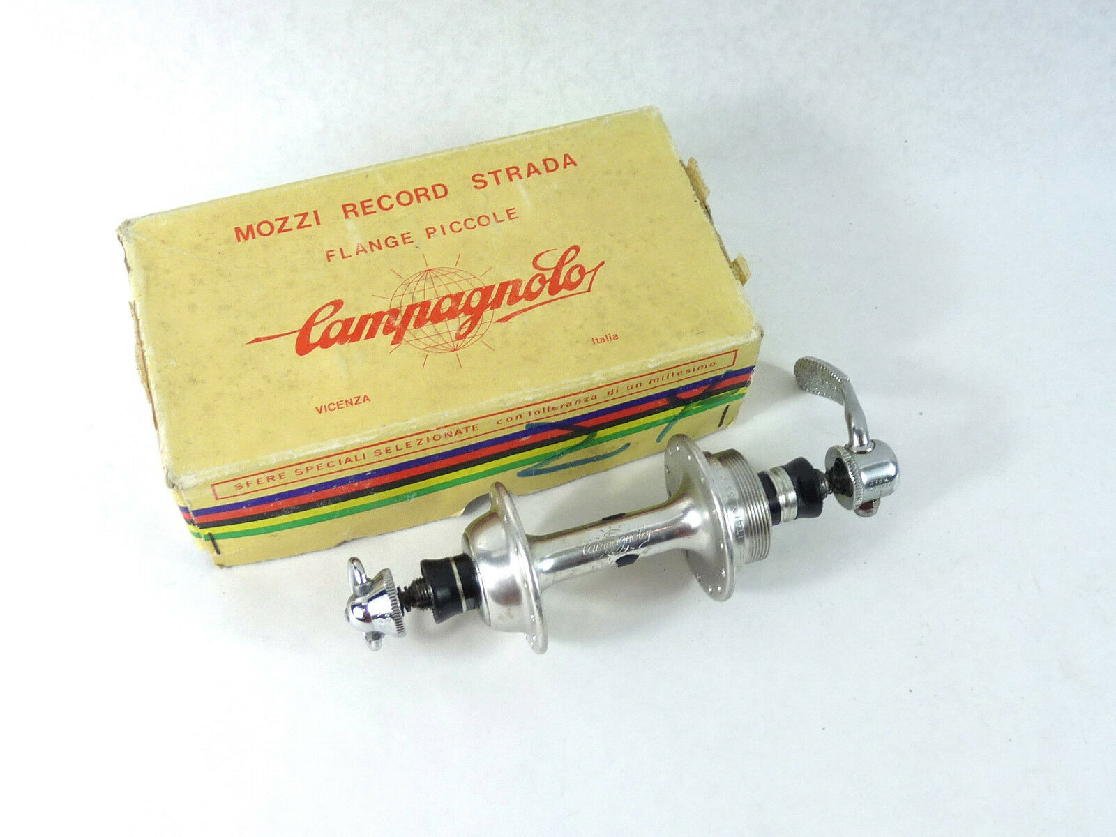 Campagnolo Record  Hub Low Flange Rear 28H Italian thread 120mm 28 NOS  to provide you with a pleasant online shopping
