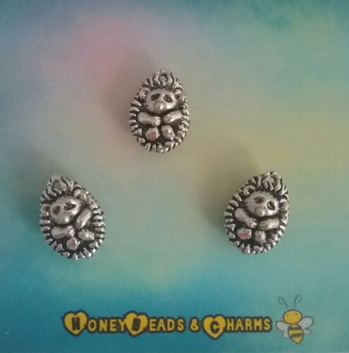 ❤ Curled Up Hedgehog 3D Charms//Pendants ❤ Pack of 3 ❤ COMBINED P /& P ❤
