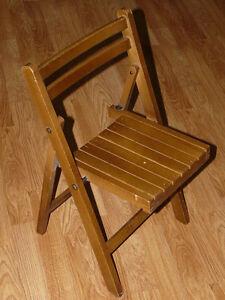 Vintage-Childs-Kids-Wooden-Slat-Folding-Toddler-Wood-Chair-Antique-Seat