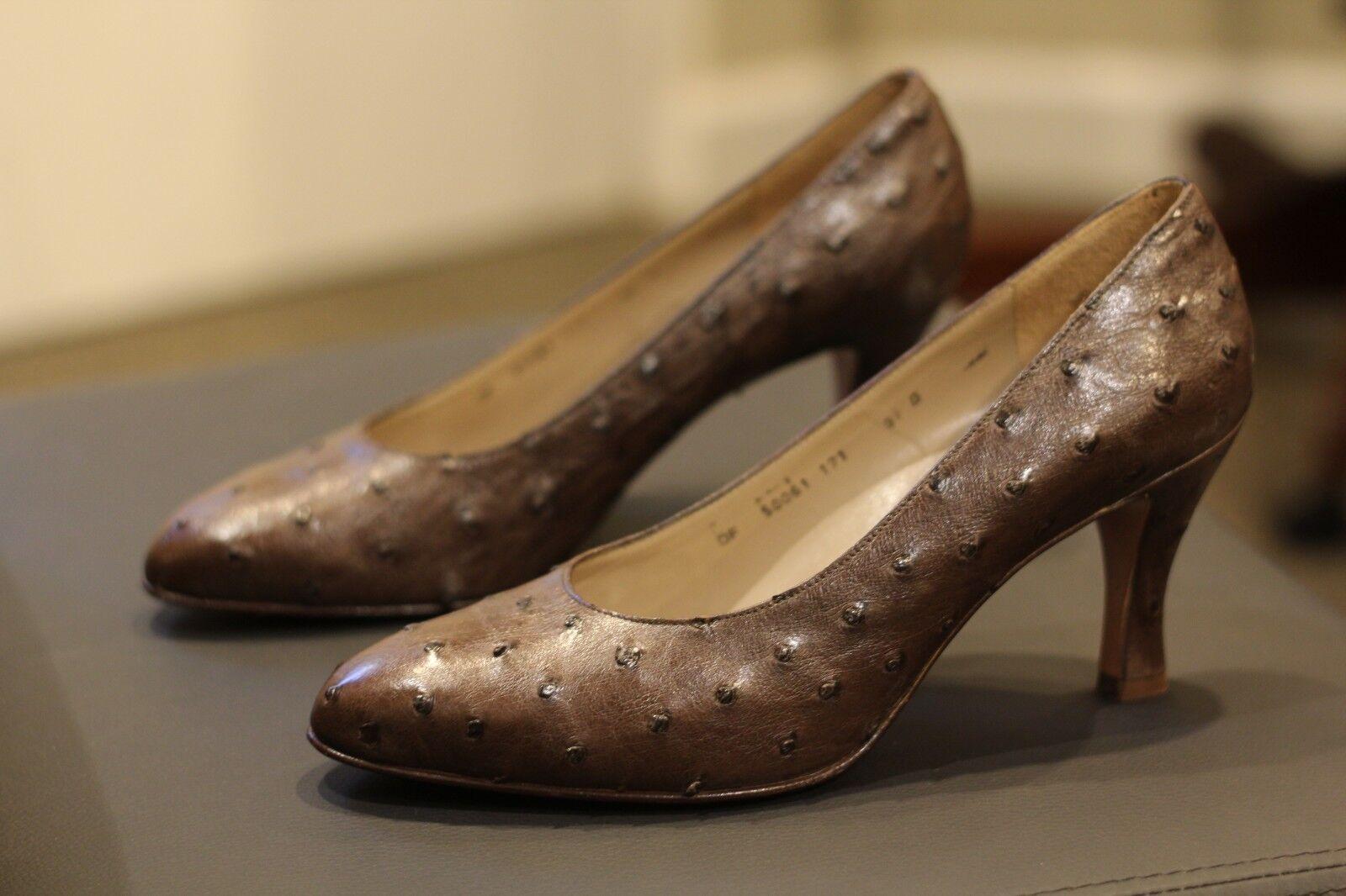 Salvatore Ferragamo Ostrich Leather Pumps Pumps Pumps schuhe Heels Made in  New Sz 9.5 B a6820c