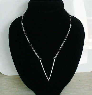 Top Charm Design Jewelry Word V Pendant Gold Plated Alloy Long Chain Necklace