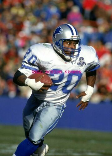 """NEW 8 NFL Poster 24/"""" X 36/"""" BARRY SANDERS"""