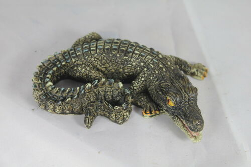 a Useful Present Gift Floating Curled Baby Alligator for Garden Pond /& Aquarium