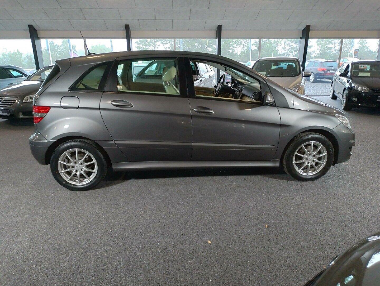 Mercedes B200 2,0  5d - 114.800 kr.