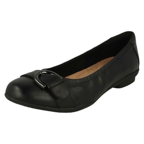 Clarks Black Neenah Flat Eleganti Ladies Slip Scarpe Lark On 8wxpqwd