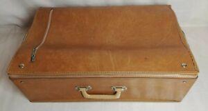 Ancienne-valise-pliante-vintage-decoration-XXeme-siecle-voyage-transports