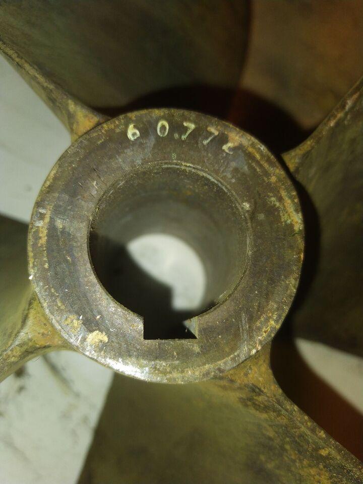 4 bladet  propel diameter 470 mm  aksel 40mm 18...