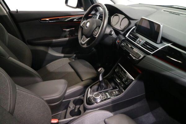 BMW 216i 1,5 Gran Tourer Sport Line 7prs billede 15