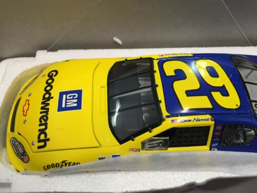 Action 124 Kevin Harvick #29 RCR 35th Anniversary 2004 Chevy Monte Carlo