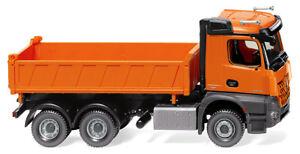 WIKING-067848-Three-Way-MB-Arocs-Communal-Orange-1-87-H0