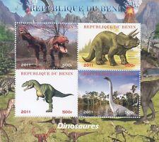DINOSAUR PRE-HISTORIC MONSTER REPTILE ANIMAL 2011 MNH STAMP SHEETLET