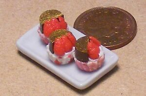 1:12 Scale Ceramic Plate Of 3 Strawberry Cup Cakes Tumdee Dolls House PL9