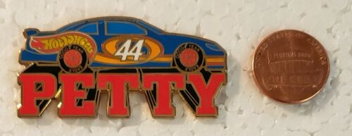 Hot Wheels KYLE PETTY #44 NASCAR Lapel Pin