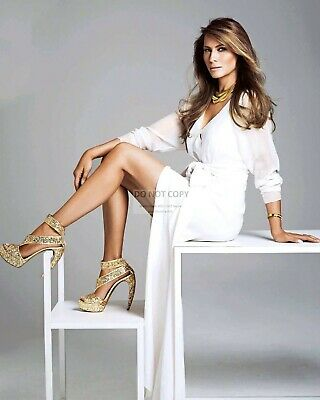 8X10 PHOTO MELANIA TRUMP WITH MEDAL OF FREEDOM HONOREE RUSH LIMBAUGH SP429
