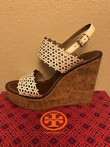 bf9f5ec8a09 NEW TORY BURCH WHITE FLORAL PERFORATED PLATFORM WEDGE SANDAL SIZE 11 ...