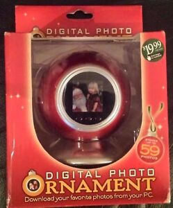 CHRISTMAS DIGITAL PHOTO ORNAMENT HOLDS UP TO 59 PHOTOS NEW IN BOX