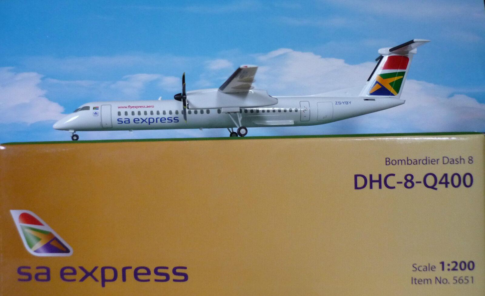 Hogan Wings 1 200 Bombardero Dash 8 Q 400 Sa Express Li5651 + Herpa Catálogo