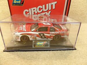New-1998-Revell-1-24-Scale-Diecast-NASCAR-Hut-Stricklin-Circuit-City-Monte-Carlo