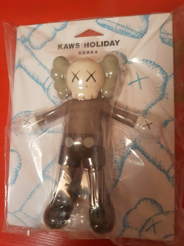 Kaws Holiday Korea Limited Exclusive Bath Toy Figure 8.5 inch Companion