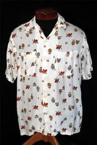 RARE-VINTAGE-1950-039-S-CRESTS-AND-GRIFFEN-PRINT-RAYON-GABARDINE-SHIRT-SIZE-MEDIUM