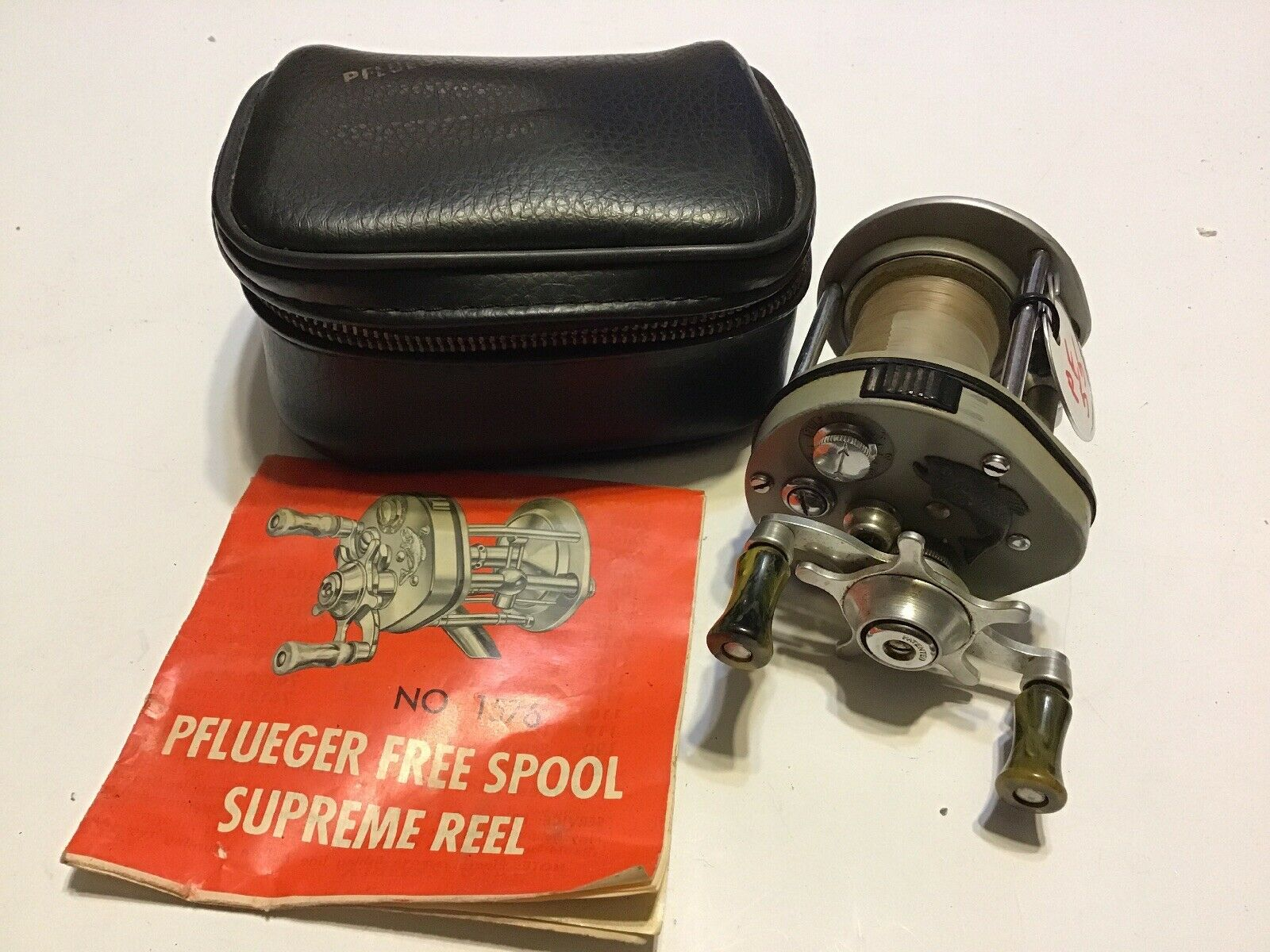"""Pflueger 1576 Leaping Bass Supreme Reel With Pouch And Paper """"Nice  Lot PF-55"""