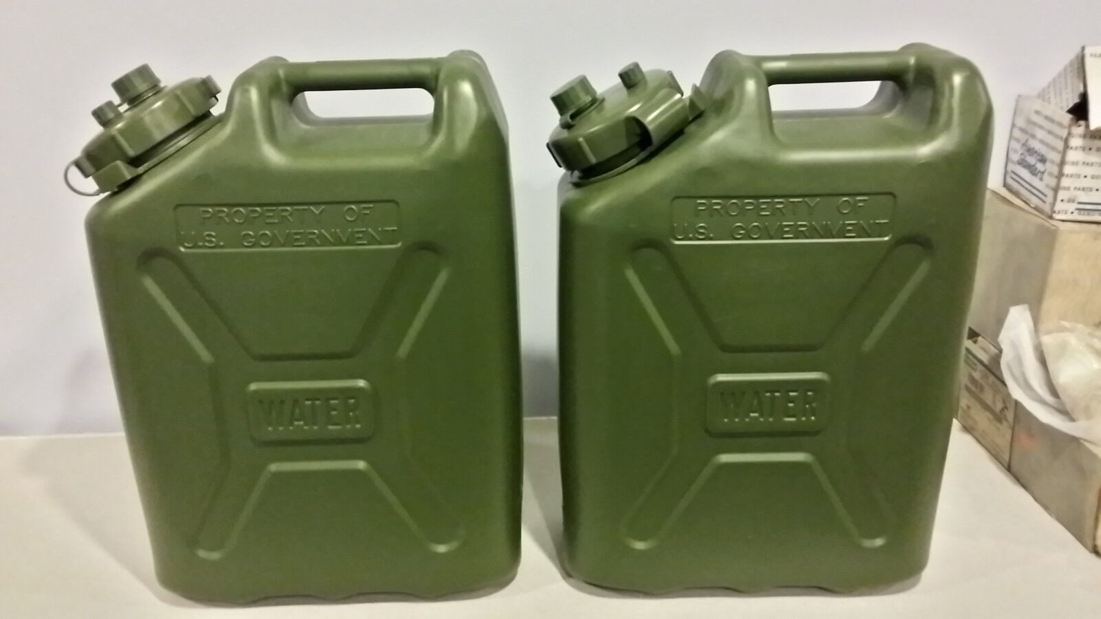 2 Water Container LC Industries Jerry Cans MILITARY (5gl) Grün Camping New Grün (5gl) 230ad4