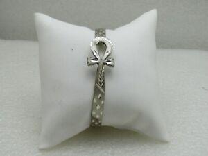 Vintage-Sterling-Silver-Ankh-Locking-Bangle-Bracelet-7-034-Notched-Design