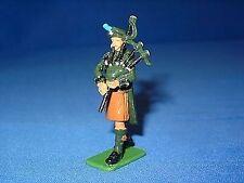 William Britain Irish Guard Piper Single Figure
