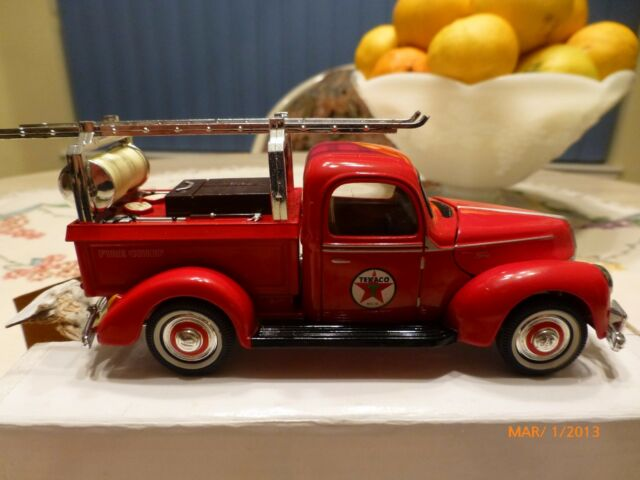 1940 FORD TEXACO FIRE TRUCK