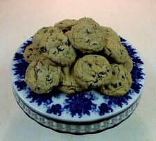 HOMEMADE CHOCOLATE CHIP COOKIES WITH WALNUTS