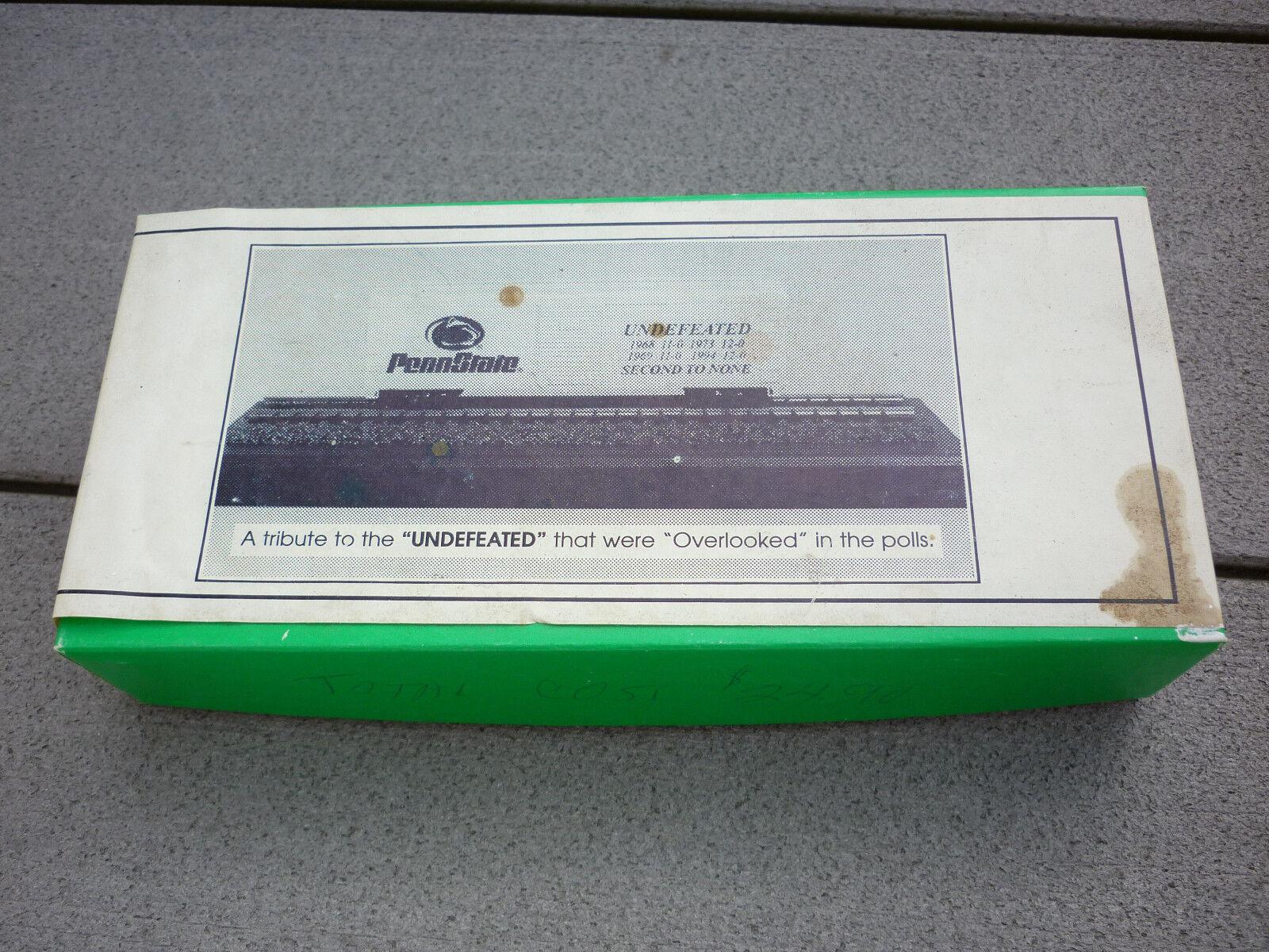 Vintage Penn State Undefeated NCAA Football Train Box Coche súper RARE CIB Bowser