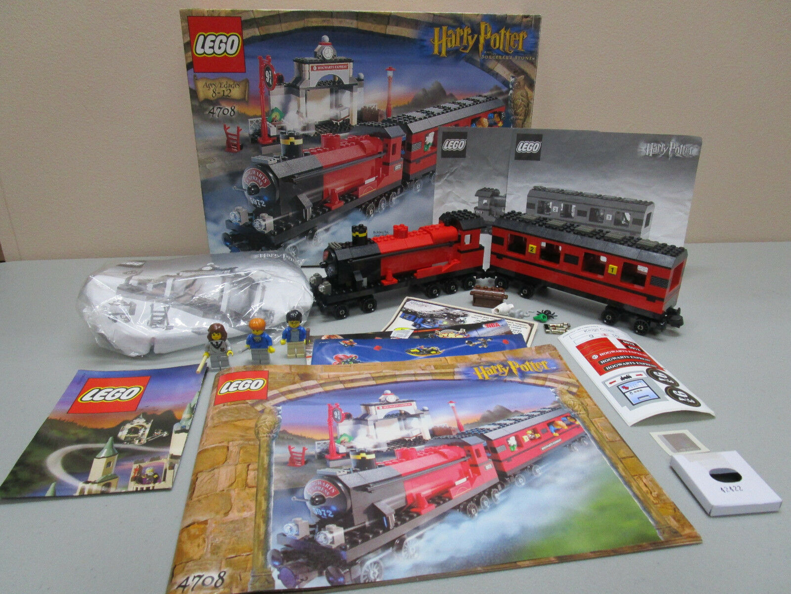 Lego Harry Potter 4708 HOGWARTS EXPRESS TRAIN COMPLETE IN A FACTORY SEAL BAG