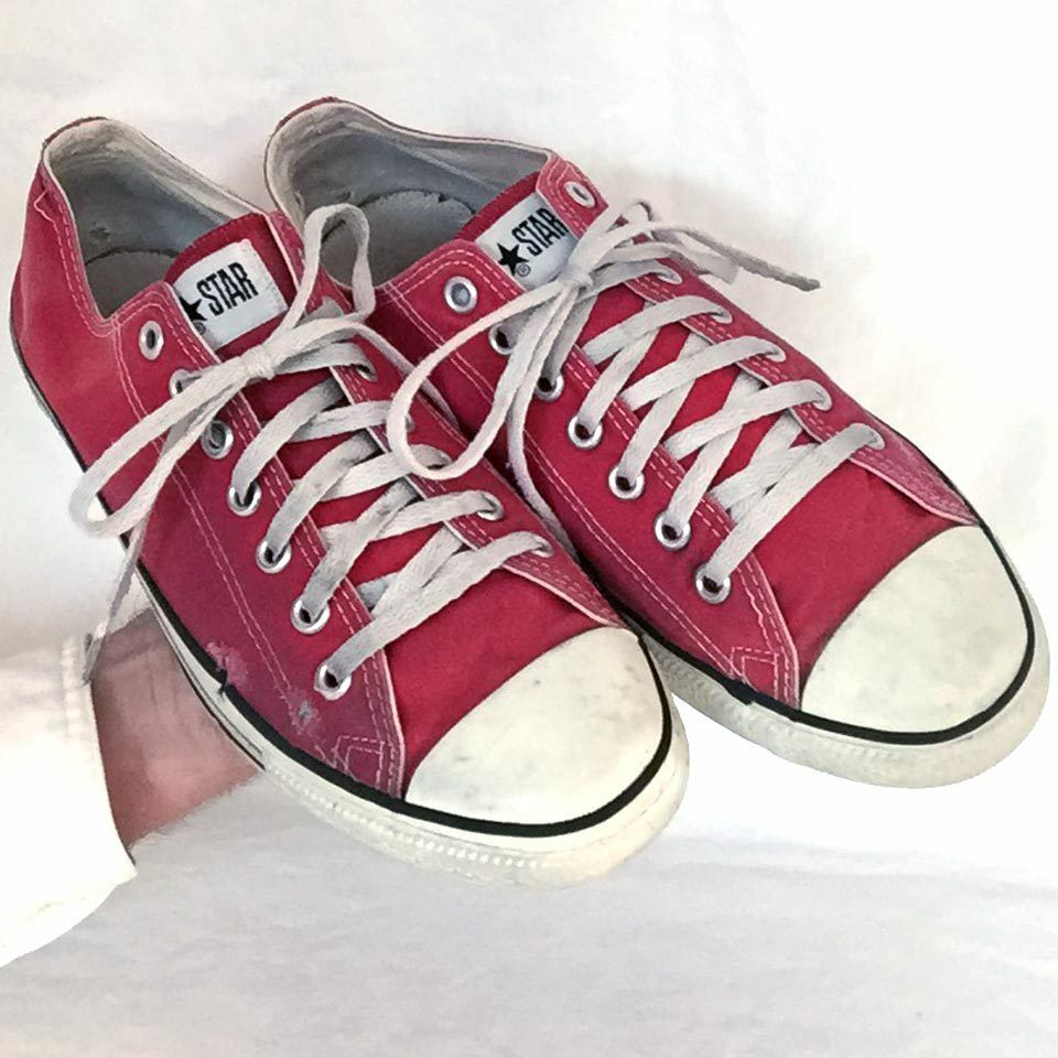 Vintage USA-MADE Converse All Star Chuck Taylor shoes sz 9.5 red, no vents
