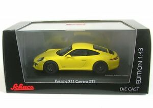 Porsche-911-Carrera-GTS-course-jaune