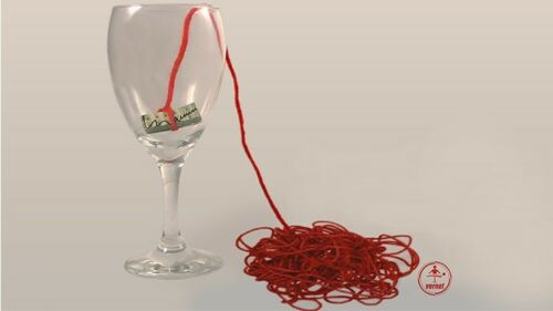 The Yarn by Manuel LLaser Magic Tricks,Fun Gimmicks and Online Instructions